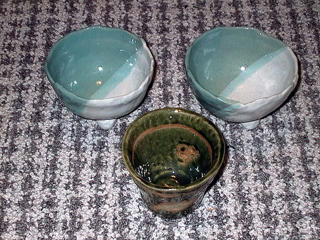 小鉢:釉薬:志野+青磁 湯飲:釉薬:織部